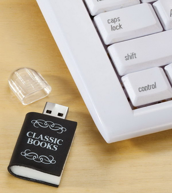 Digital USB library. Plug in this little USB library to read 3,000 classic books, including War and Peace, Little Women, Huckleberry Finn and much more!