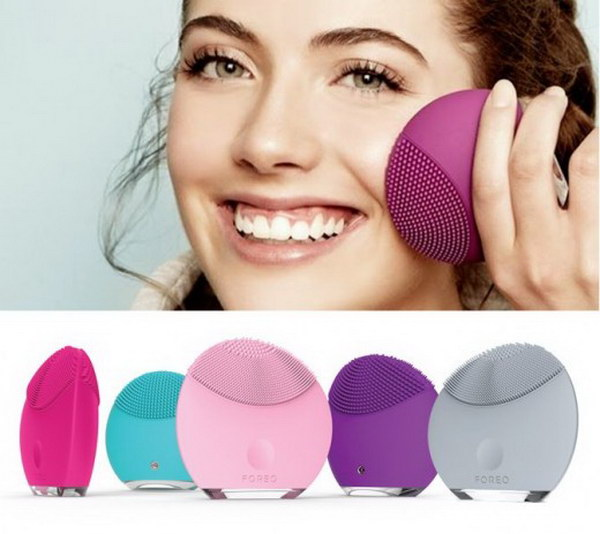 Skin Cleansing Brushes.