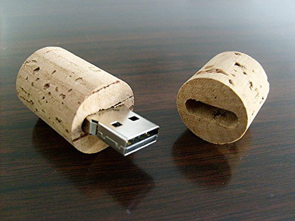 Wine Cork USB Memory Stick. Give this USB flash drive as a great gift with some special memories on it to some wine lovers in your life.