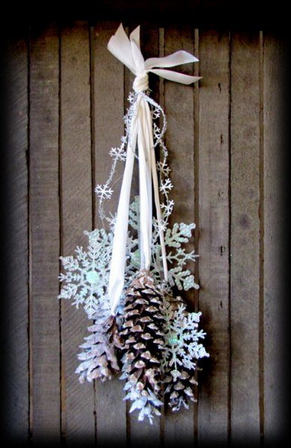 Pinecones and Snowflakes Winter Door Hanging