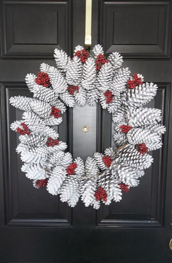 Pine Cone Wreath. Love the natural look of this holiday wreath. Easy and quick to make. It is also a DIY project that your kids can help to to make together.