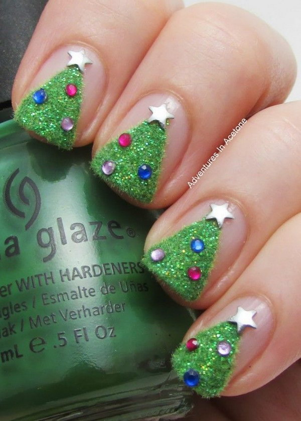Textured Christmas Tree Nail Art