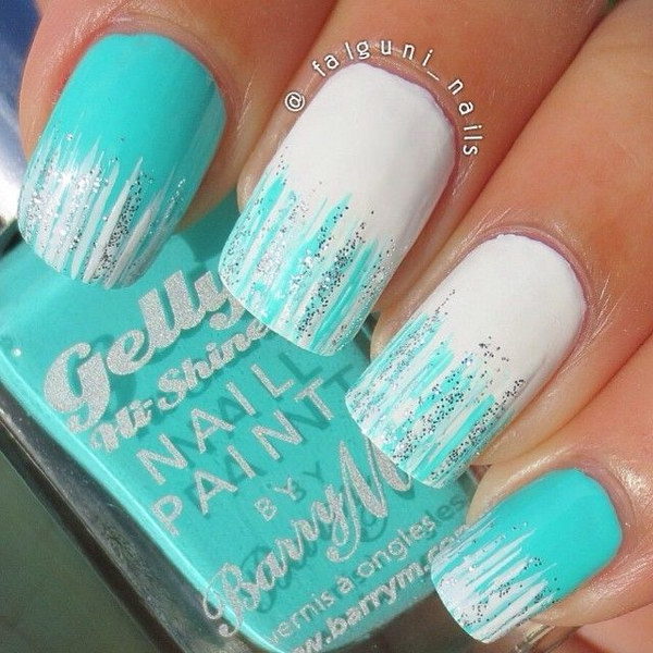 Amazing White and Green Ombre Nails