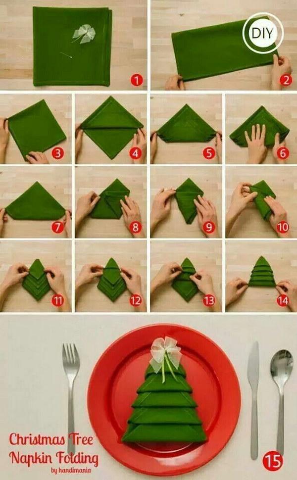 Folding Christmas Tree Napkins.