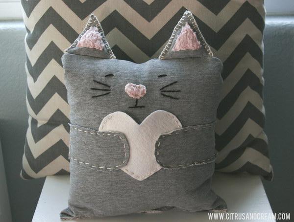 Mini Kitten Pillow.