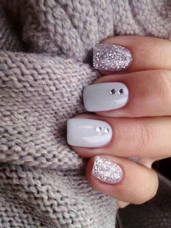 70 stunning glitter nail designs 2017 white silver glitter nail design prinsesfo Choice Image