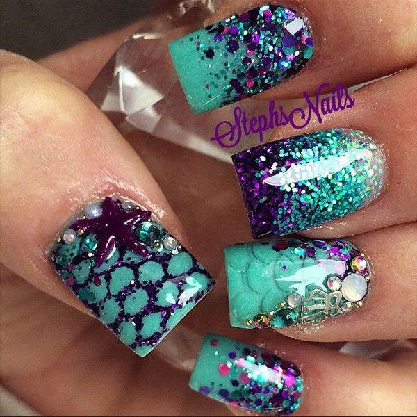 Sea Inspired Glitter Nail Design.