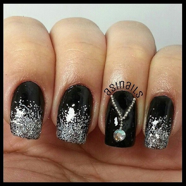 Silver Glitter Nail Design With A Necklace Accent