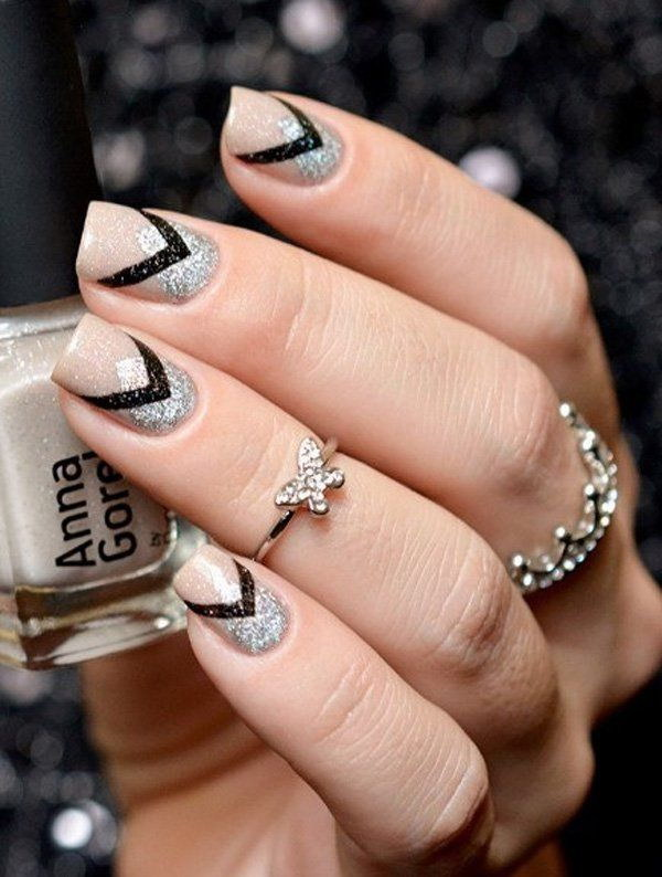 Silver and Black Glitter Nails Art.