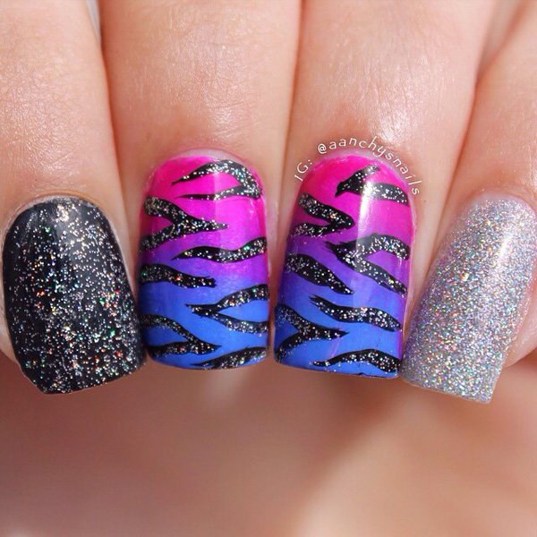 Animal Print Glitter Nail Art Design.