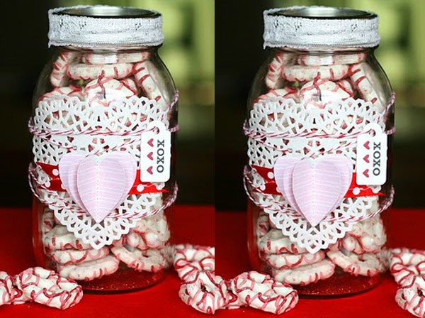 DIY Valentines Day Gift Idea Using Pretzels and a Mason Jar