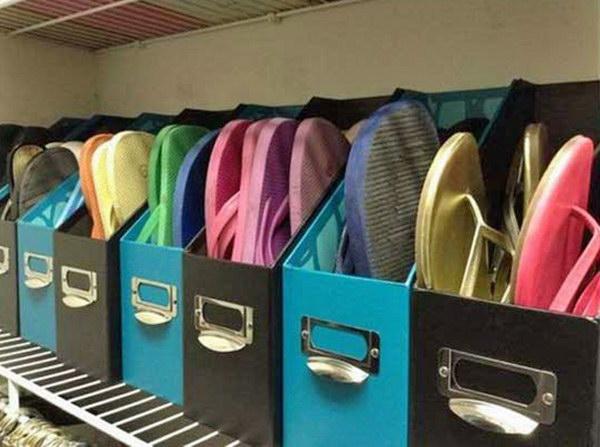 Flip-Flops Storage with Magazine Holders.