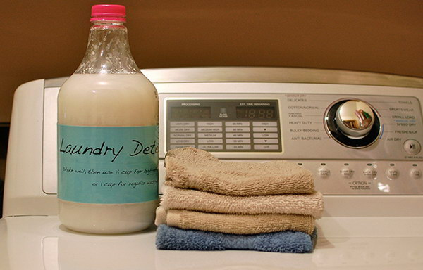 Homemade Liquid Laundry Soap.
