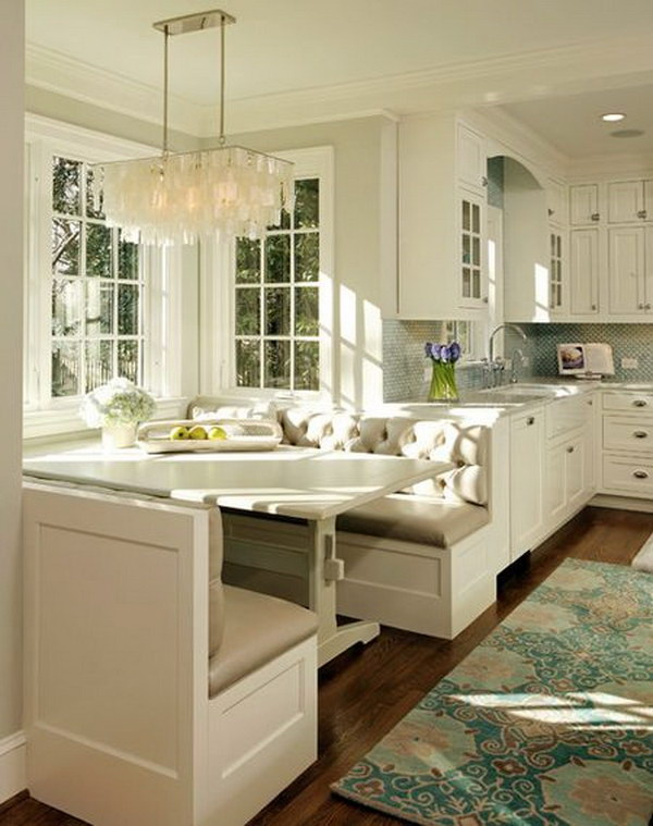 Traditional Beige and White Eat in Breakfast Nook.