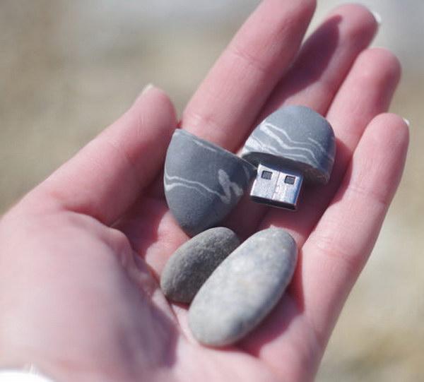 USB Flash Drive That Looks Like A Stone.
