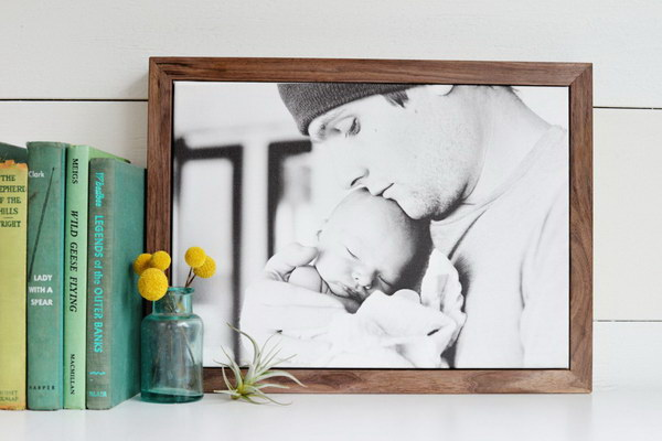 DIY Framed Photo Canvas.