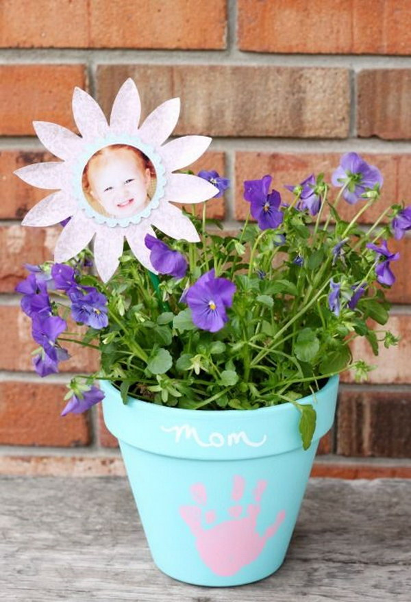 Mother's Day Keepsake Flower Pot.