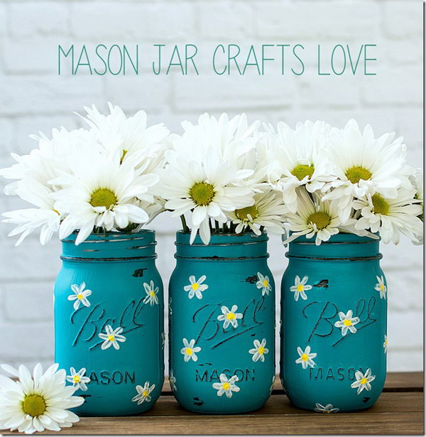 Painted Daisy Mason Jars.