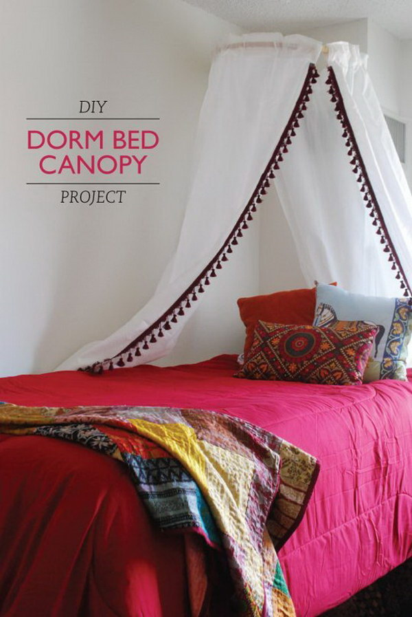 DIY Pom Pom Dorm Bed Canopy Project.