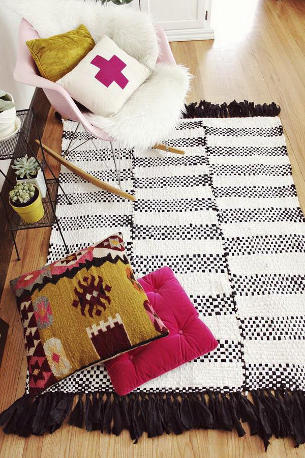 DIY Woven Rug for Dorm Room.