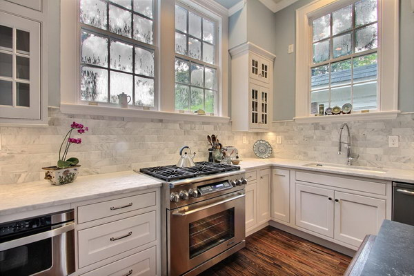 Transitional Kitchen With Marble Stone Backsplash