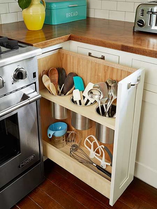 the pull out utensil bin next to stove. Interior Design Ideas. Home Design Ideas