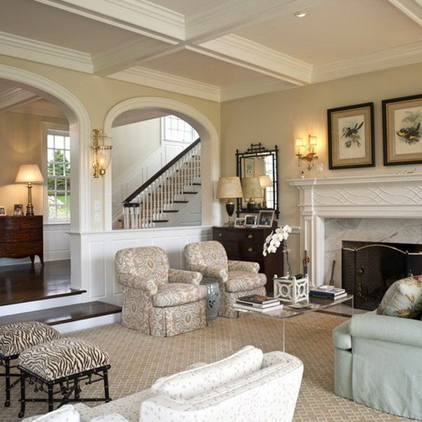 Traditional Living Room with Beige Painted Wall.