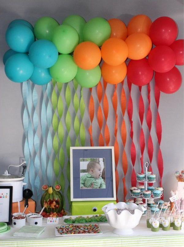 DIY Balloons & Streamers Backdrop.