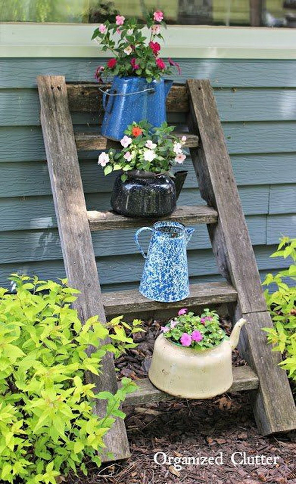 30 Easy DIY Backyard Projects & Ideas 2017 on Easy Diy Garden Decor id=44344