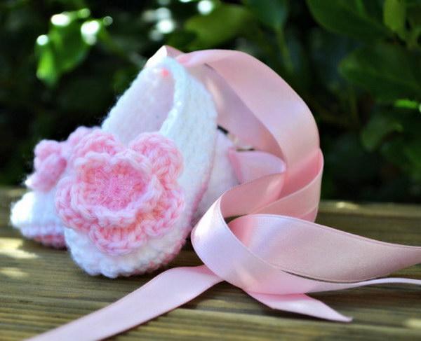 Crochet Baby Ballet Slippers.
