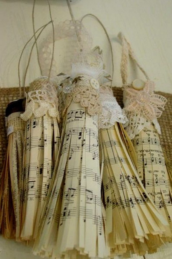 Sheet Music Tassel Christmas Window Decoration.