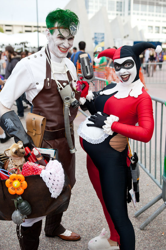 Suicide Squad's Joker and Harley Quinn Couples Costume.