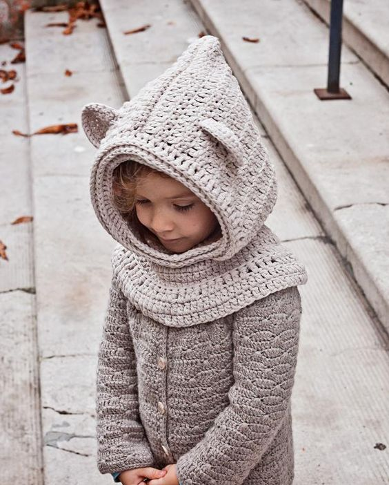 Crocheted Polar Bear Hooded Cowl Pattern.