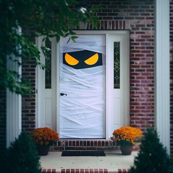 Spooky Front Door Decoration.