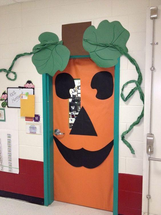 Pumpkin Door Decoration.