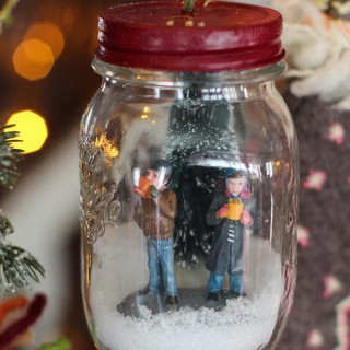20 Beautiful DIY Snow Globe Ideas & Tutorials