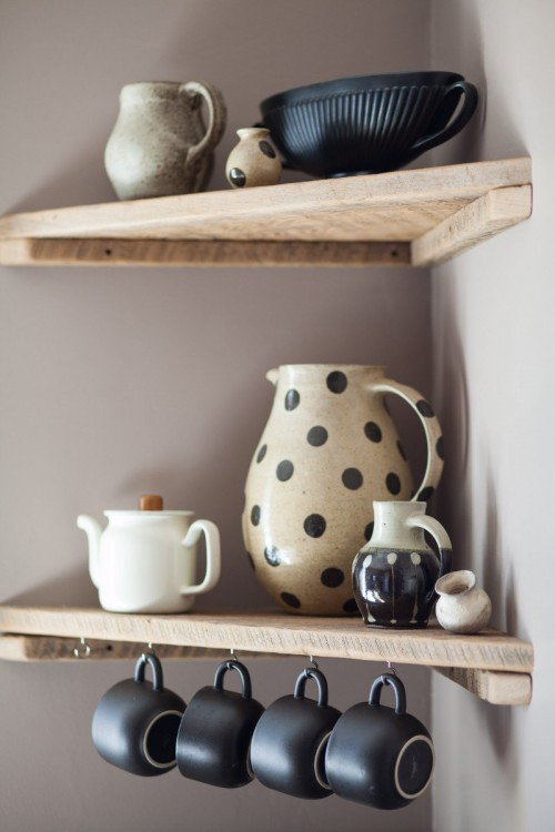 DIY Corner Shelves for the Kitchen.