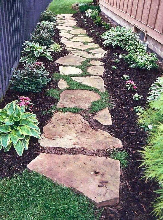 Bluestone Flagging Stepping Stone Pathway.