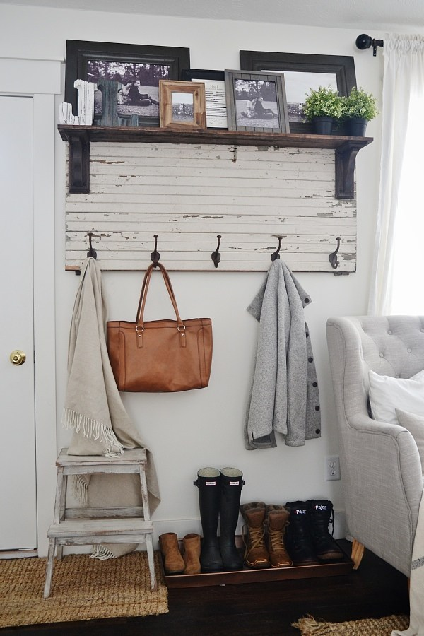 DIY Rustic Coat Rack.