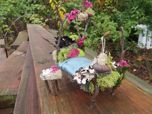 DIY Miniature Fairy Garden Bed.