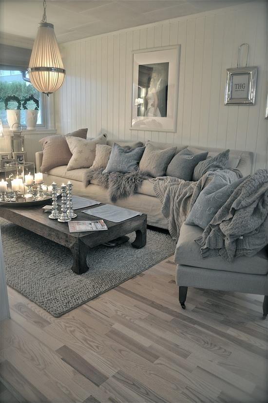 Flooring For Cozy Living Room.