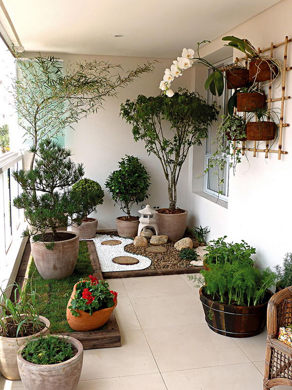 Balcony Landscaping with White Gravel.