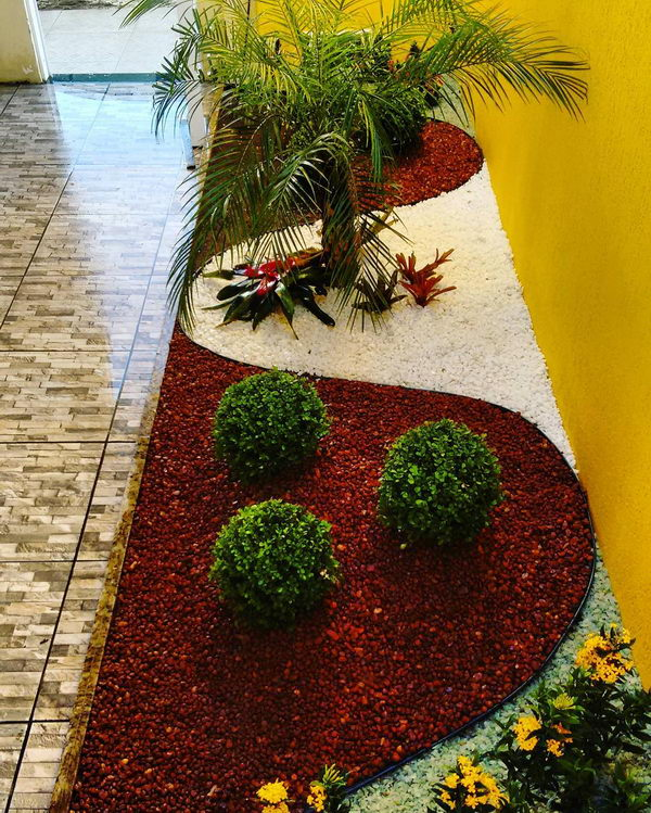 Awesome Indoor Garden Landscaping with White Gravel.