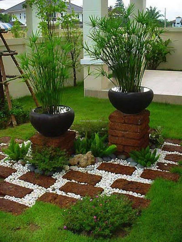 Make the Whole Garden Look Nicely and Artistically with White Gravel Walkways.