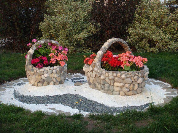 Use White Gravel to Create Some Art Pieces for Your Garden.