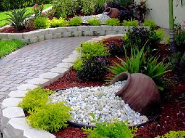 30 cool ideas to decorate your home with white gravel 2017 for White gravel landscaping