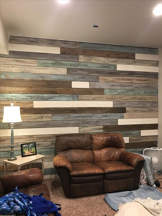 Wood Wall Using $1.67 Fence Boards And Rethunk Junk Furniture Paint.