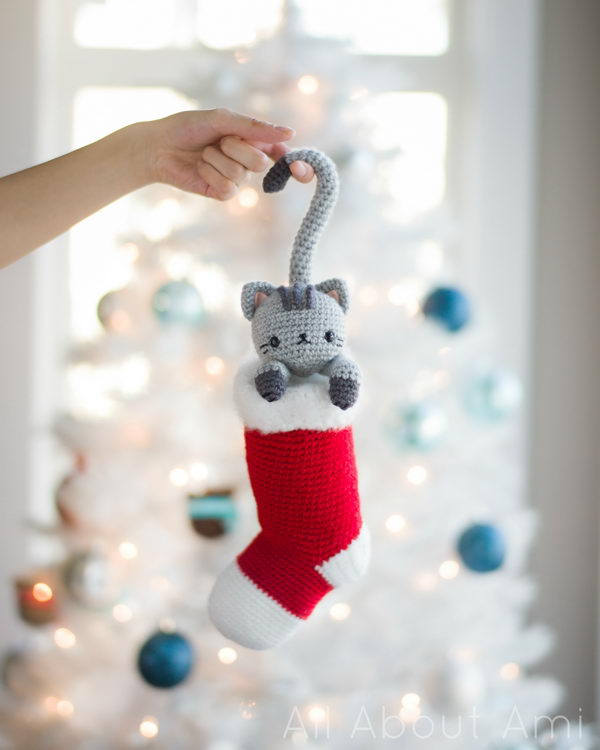 Chester the Christmas Cat With Free Pattern.