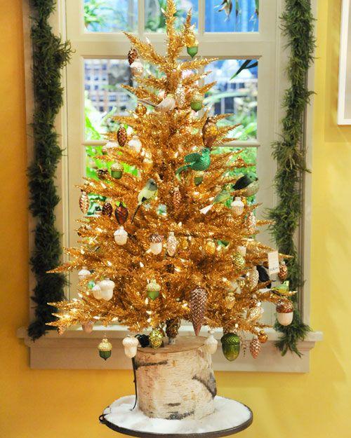 DIY Tree Stump Christmas Tree Stand.