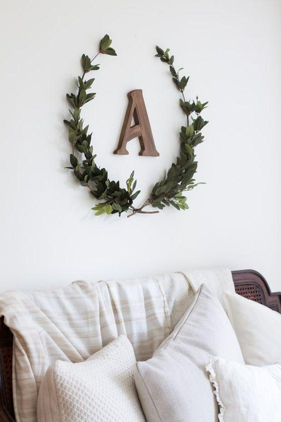 Craftberry Bush DIY Laurel Wreath .